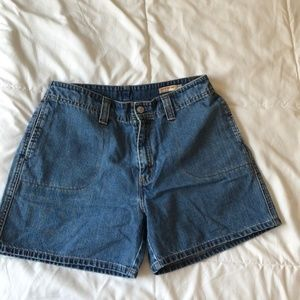 Vintage Levi Red Tab Mom Shorts size 10x5